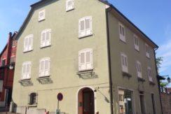 Altkirch centre ville : grande maison 290 m²+ local commercial