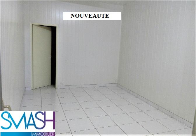 Mulhouse Pierrefontaine : local 145m² avec vitrines